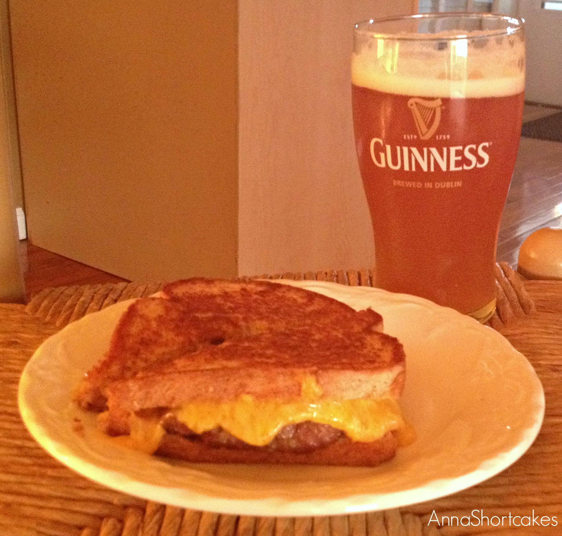 Pork and Pimento Cheese Patty Melt | AnnaShortcakes